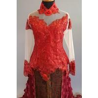 Bruids kebaya bordeaux met sleep & bijpassende sarong