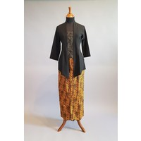 Kebaya kutubaru zwart met bijpassende sarong