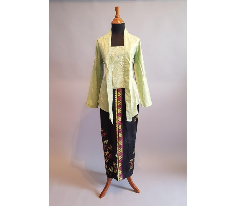Kebaya mint groen met bijpassende sarong