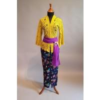 Kebaya Bali geel met bijpassende sarong