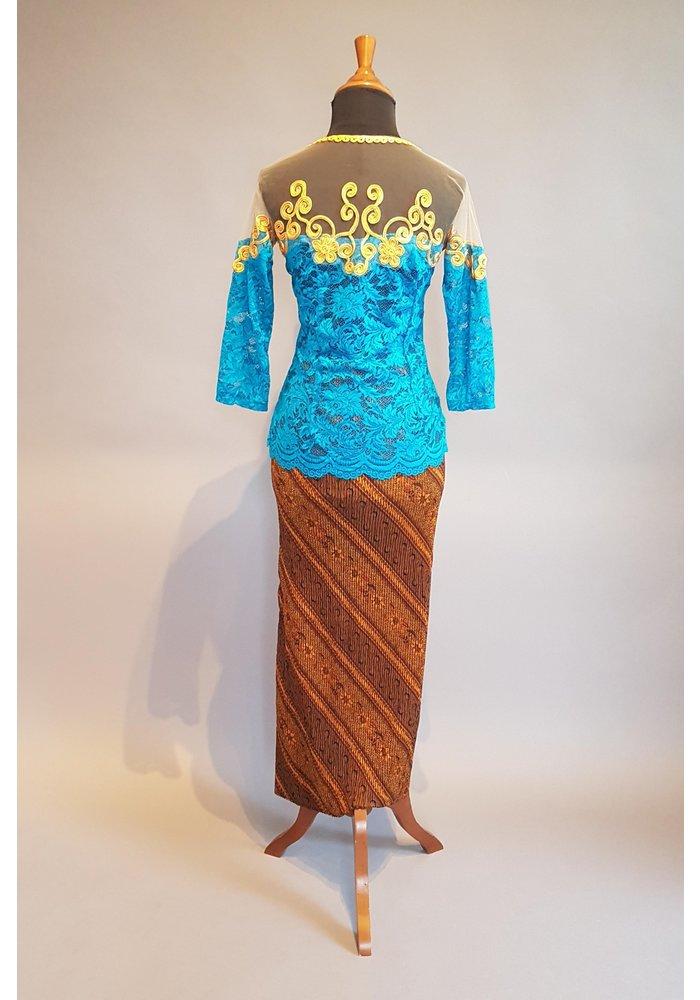 Kebaya retro turquoise met bijpassende sarong plissé