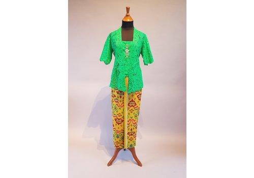 Kebaya groen korte mouw met bijpassende sarong