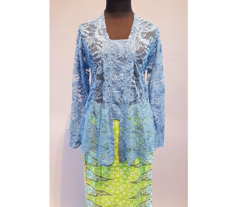 Kebaya blauwe lucht met bijpassende sarong