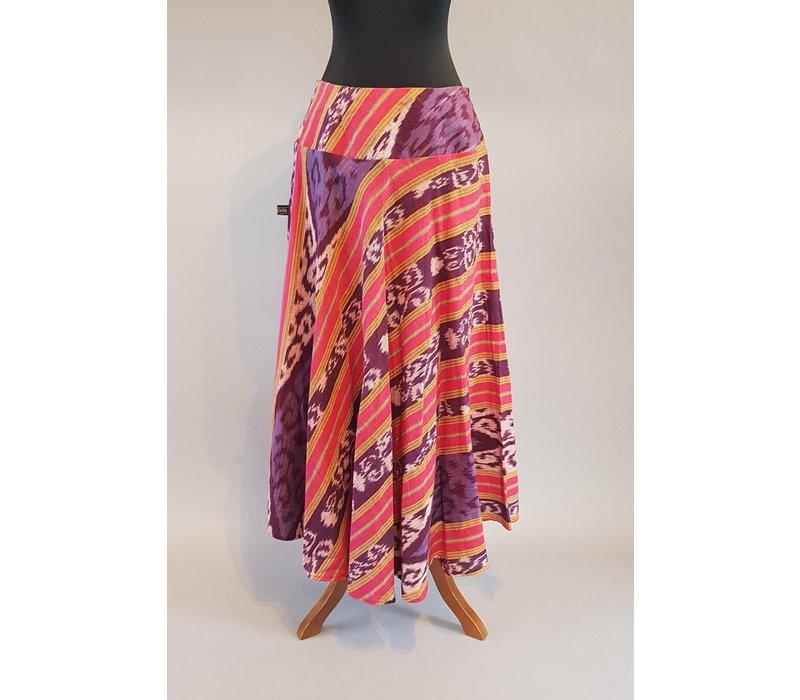 Kebaya modern zalm met bijpassende rok