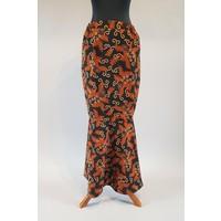Kebaya elegant cyclaam met bijpassende sarong & selendang