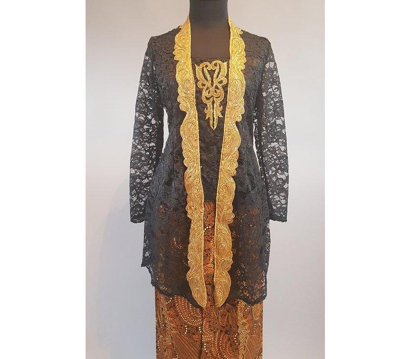 Kebaya Kartini zwart met bijpassende sarong