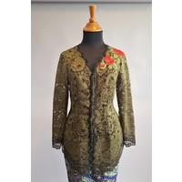 Kebaya klassiek olijfgroen met bijpassende sarong