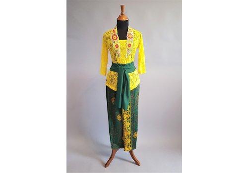 Kebaya Bali kanarie geel met bijpassende sarong & selendang
