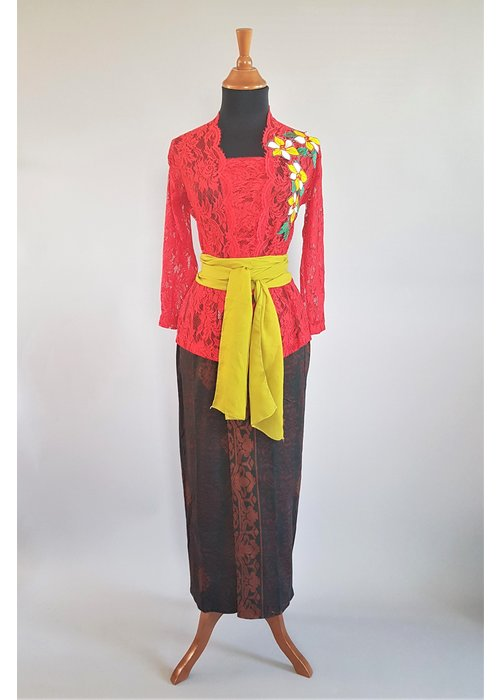 Kebaya Bali Indische rood met bijpassende sarong & selendang