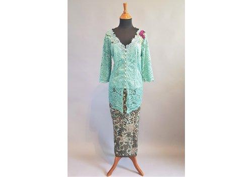 Kebaya klassiek munt groen 3/4 mouw met bijpassende sarong