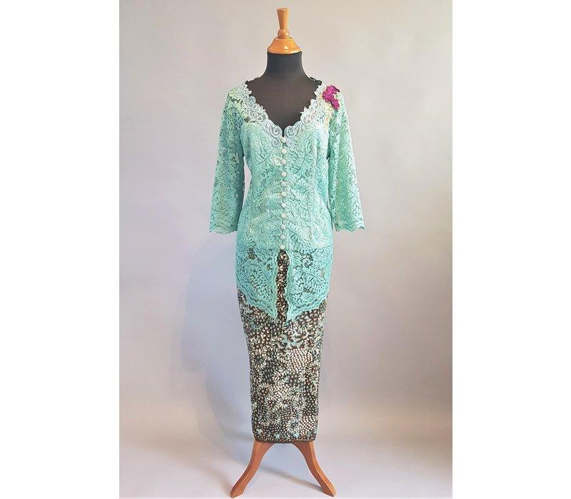 Kebaya klassiek munt groen met bijpassende sarong