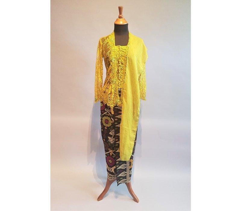 Kebaya glamour olijfgroen met bijpassende sarong & selendang