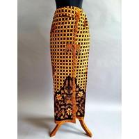 Kebaya modern blauwe lucht met bijpassende wikkel sarong & selendang