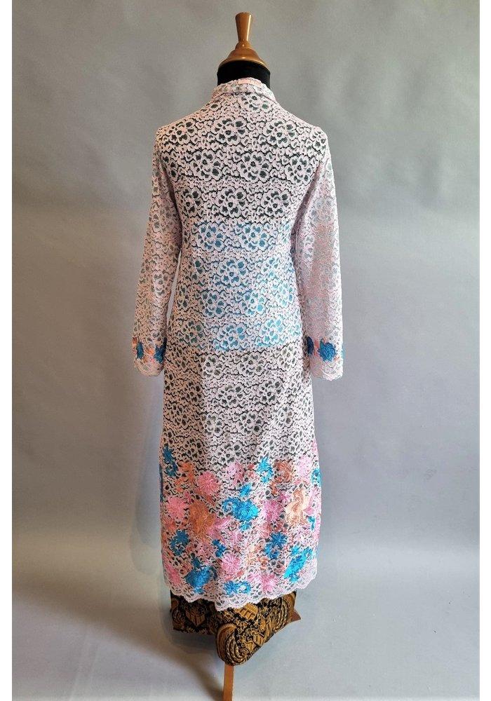 Bruids kebaya roze met bijpassende sarong