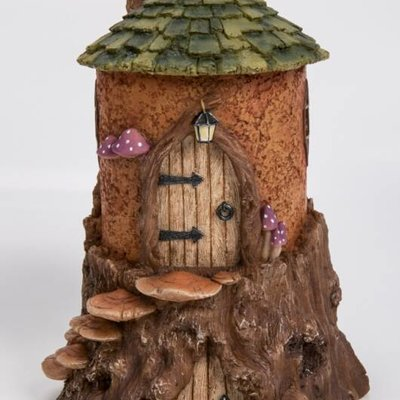 Vivid Rustic Stump Cottage