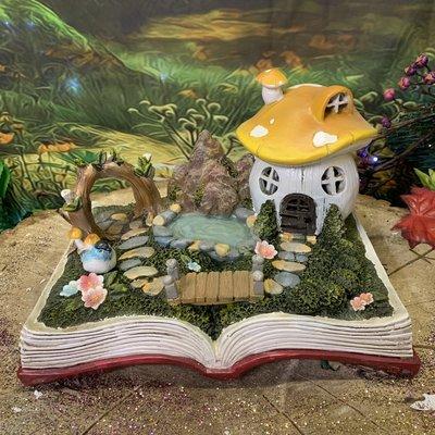Fiesta Studios Fairy Toadstool House & Garden Book