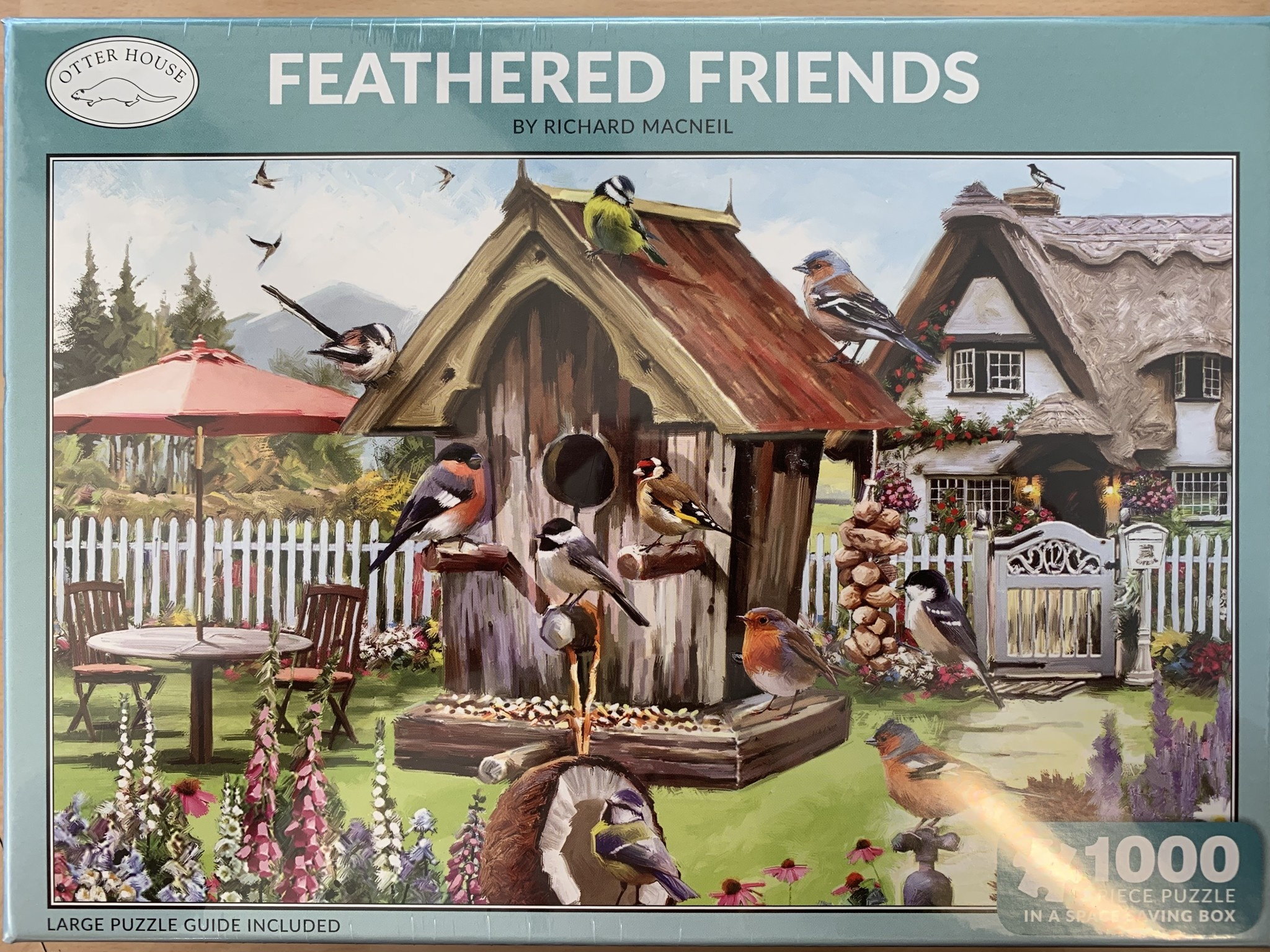 1000pcs - Feathered Friends  - Puzzle