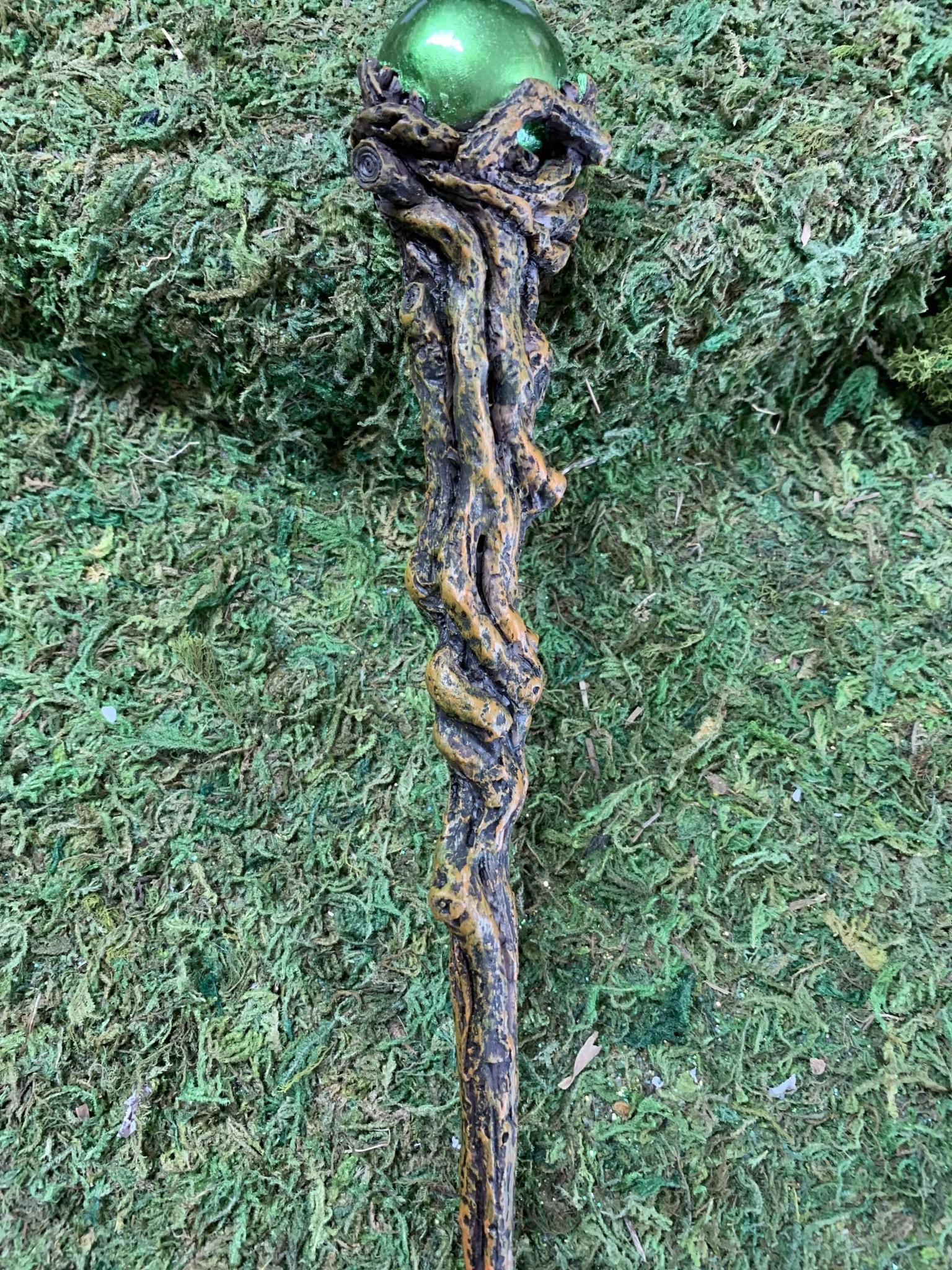 Wand - Emerald Orbuculum 24cm