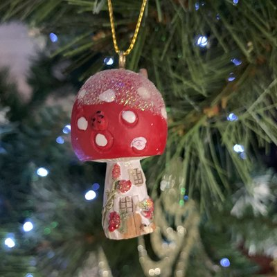 Gisela Graham Resin Toadstool House - Rounded Roof - Hanging Decoration