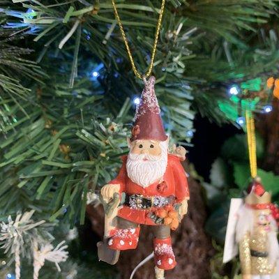 Gisela Graham Resin Garden Gnome - Spade - Hanging Decoration