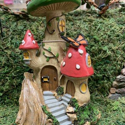 Fiesta Studios Mushroom Cluster Fairy House