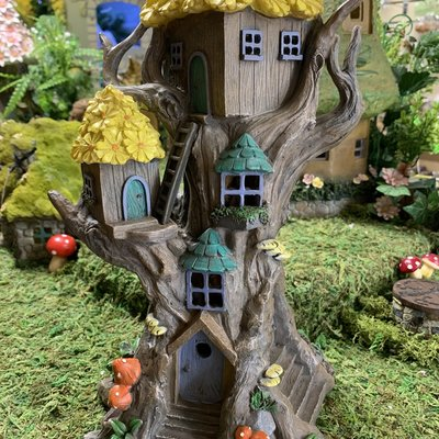 Fairy Tree House with Yellow Flower Roof - Solar Powered