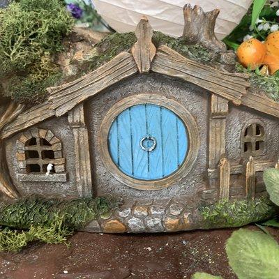 Fiesta Studios Hobbit Cottage with Lights