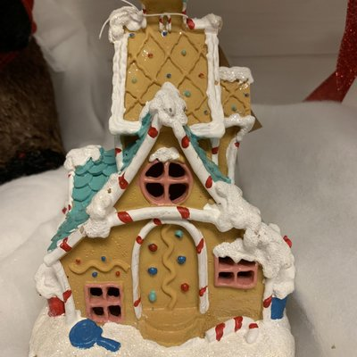 Fiesta Studios Gingerbread House with Lights