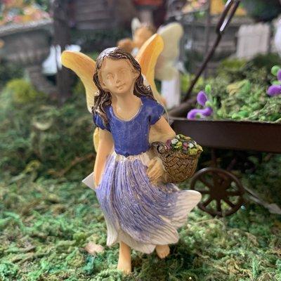 Woodland Knoll Woodland Knoll - Resin Gathering Flowers Fairy