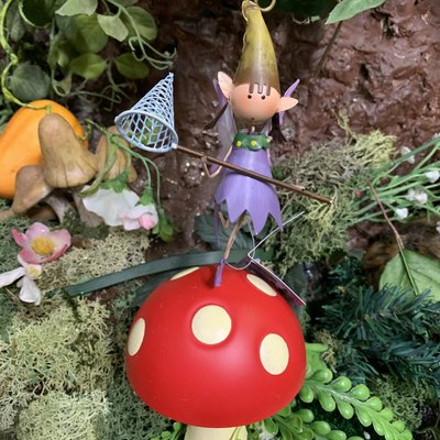 Pixie World Fountasia - Pixie Pippa on Toadstool Stake