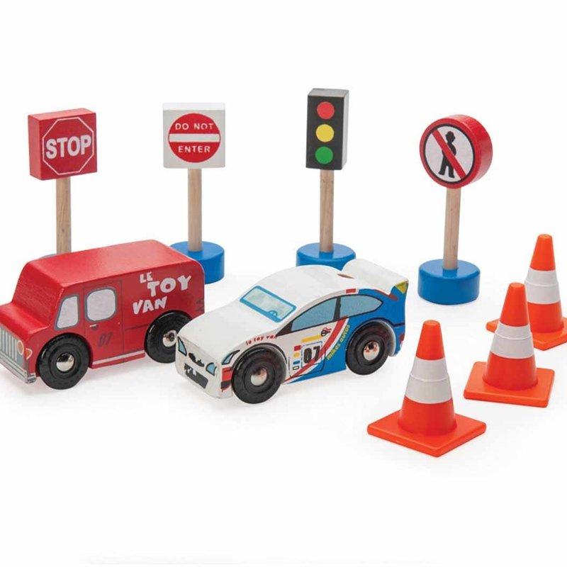 Le Toy Van Road Set 'route & toot'