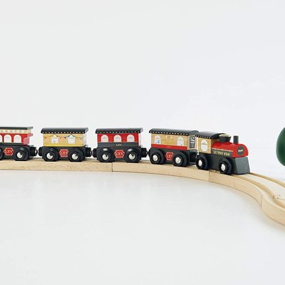 Le Toy Van Wooden Royal Express Train (Red)