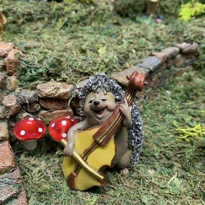 Fiddlehead Fiddlehead - Hedgehog with Cello