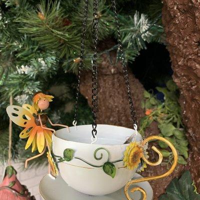 World of Make Believe Fairy Hanging Teacup Feeder - Sunflower Honey