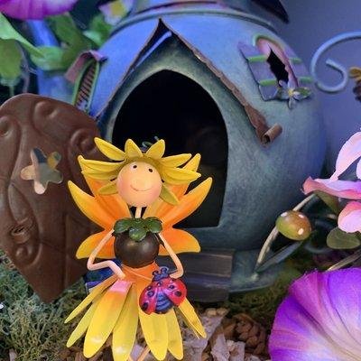 World of Make Believe Flower Kingdom - Honey the Sunflower Fairy (Mini)
