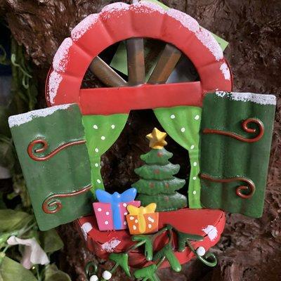 Elf Woodland Elf Wonderland - Christmas Window with Presents & Tree