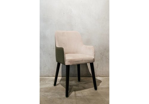 Chair Axel