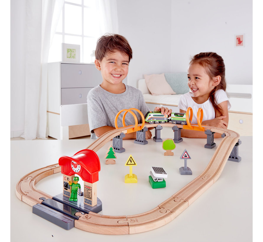 Train Solar Power Circuit