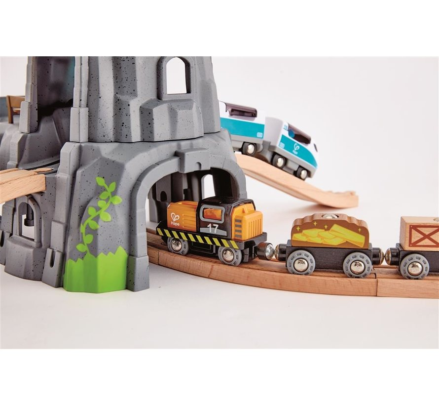 Light and Sound Mountain Tunnel Set