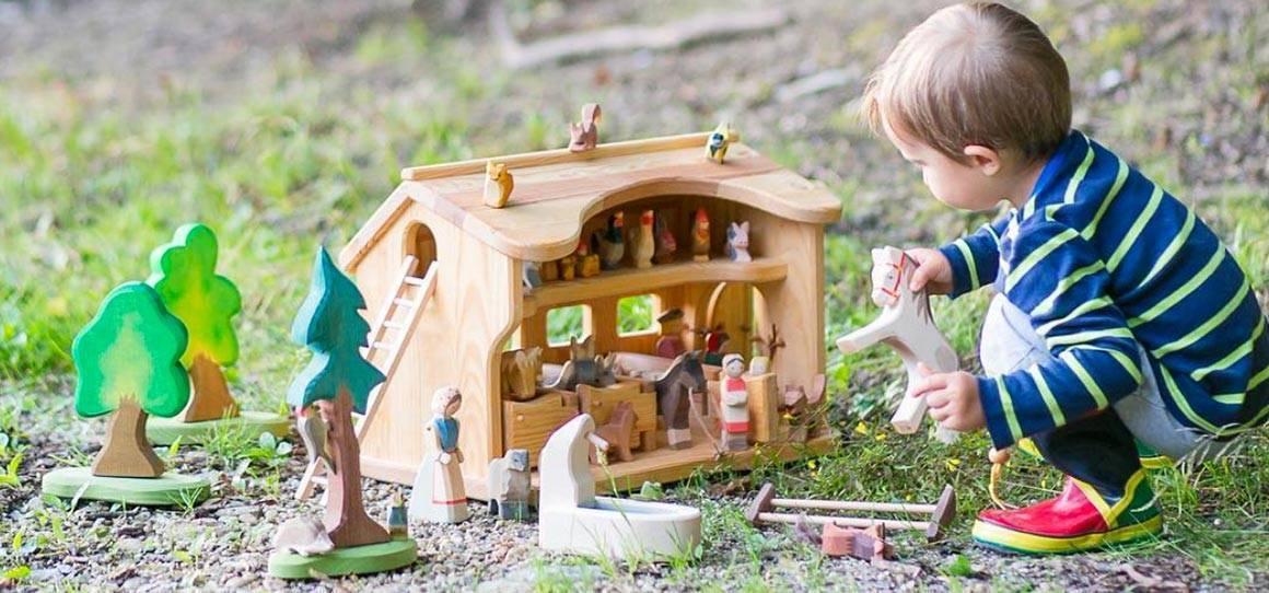 Wooden animals & accessories