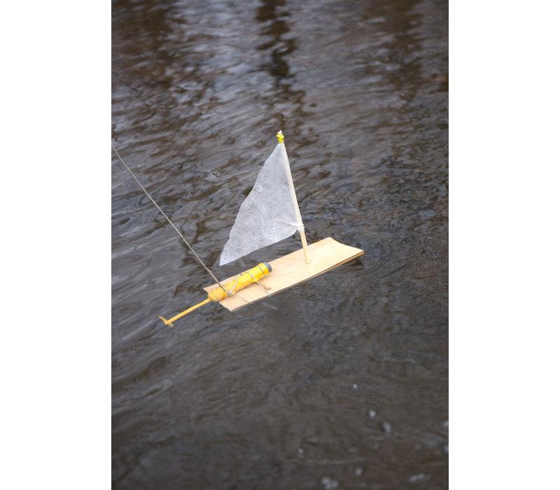 Kikkerland Huckleberry Motor Boat