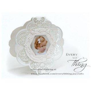 Joy!Crafts Snij-embosstencil - Ornament met snijwerk& bloemen