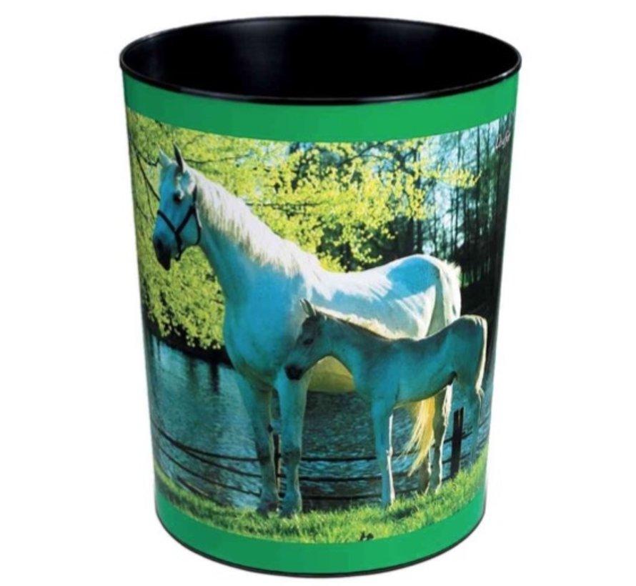 Prullenmand - paard vijver