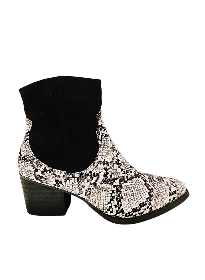 Cutest snake boots
