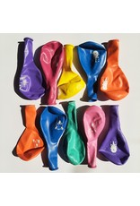 Gekleurde ballonnen met vrolijke opdruk