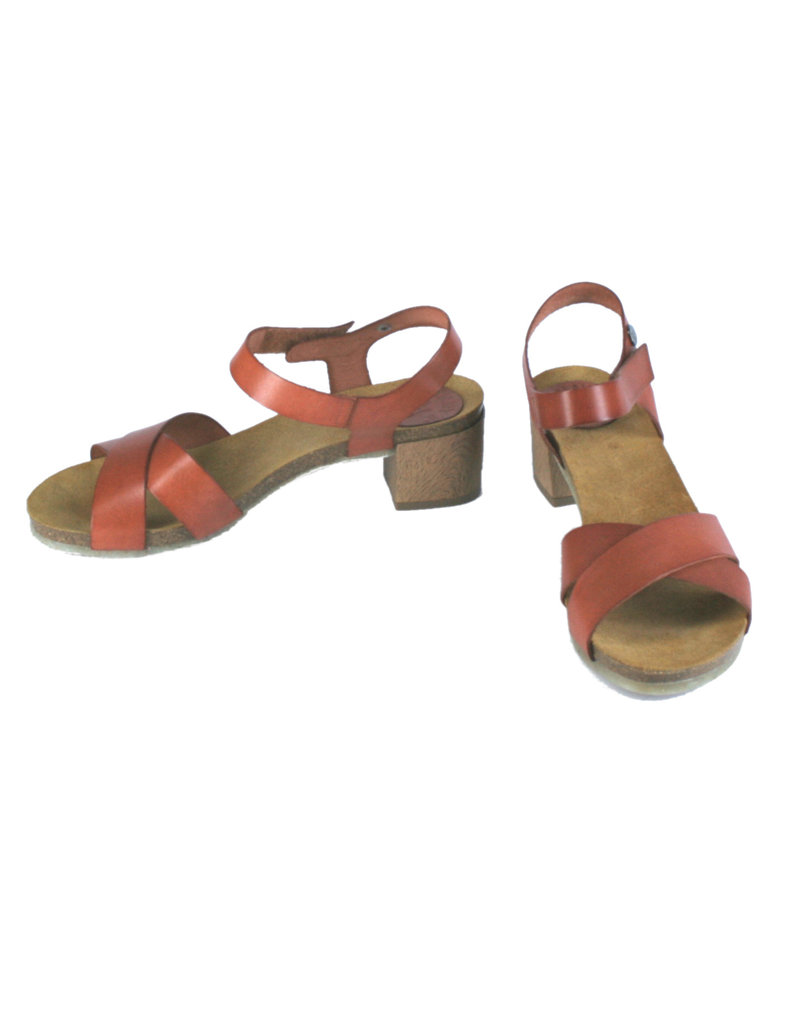 Jonny's Sandalen, gekreuzt, mit Absatz