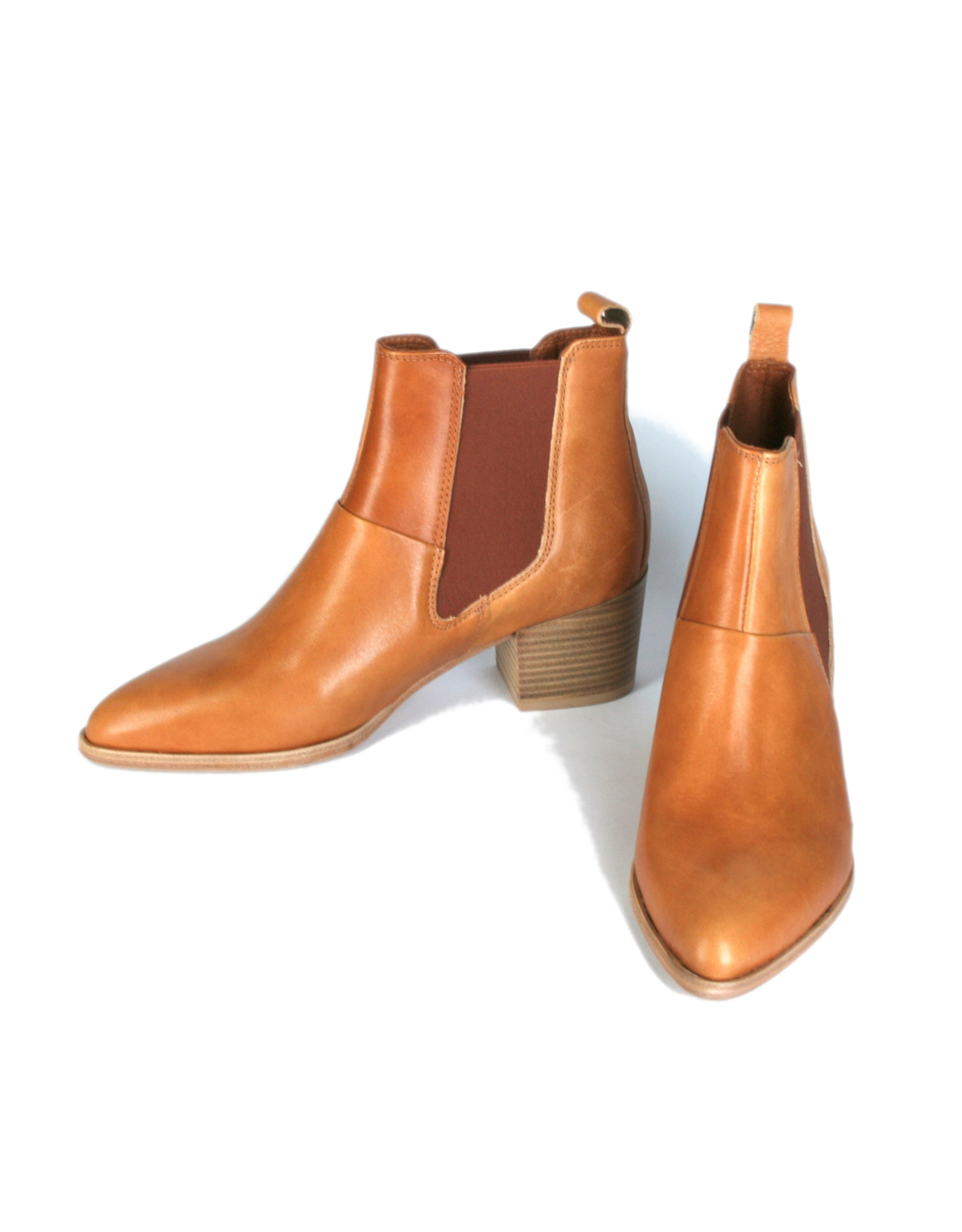 Ten Points Ankle Boots