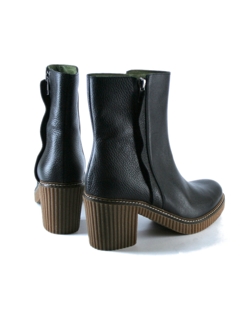 Jonny's Boots with heels, black