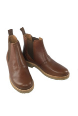 Ten Points Astrid Chelseas made of leather with leather lining