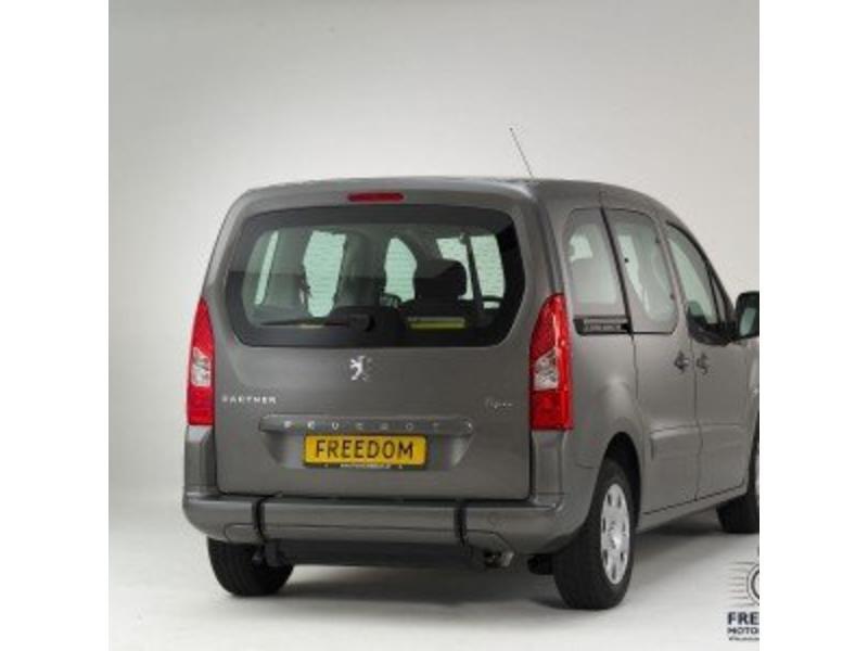 Peugeot Partner - Rolstoelauto